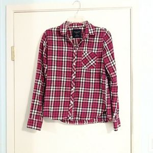 American Eagle Pink Plaid Button Down Shirt